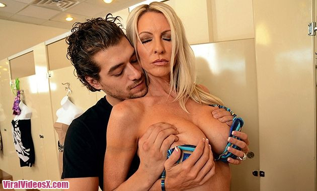Brazzers Emma Starr Boobies Issues  - 2