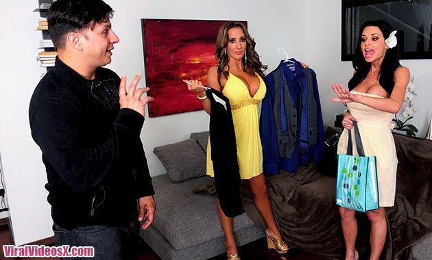 Naughty America Richelle Ryan and Veronica Avluv in 2 Chicks Same Time