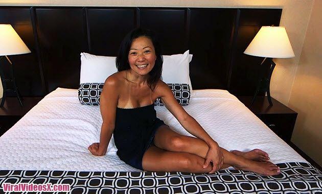 MomPov Savannah 45 year old fucking sexy Asian MILF E161