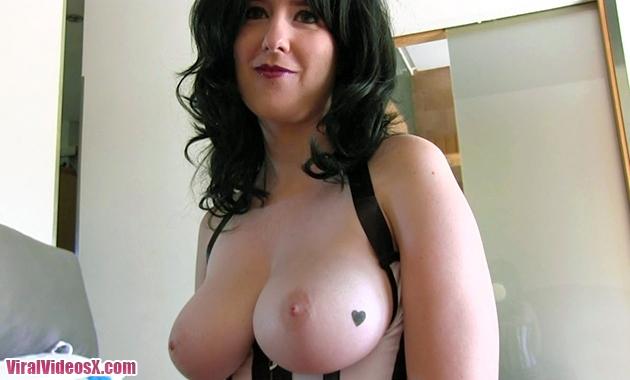 En la cama con Torbe Elena Tetazas gordas...