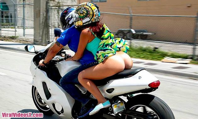 Clips Sophia Steele Riding naked on motor...