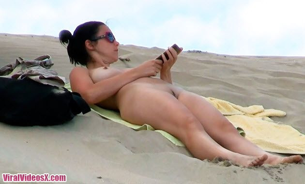 Pack 8 Videos I Love the Beach Amateurs Candid Topless And Nude Beach