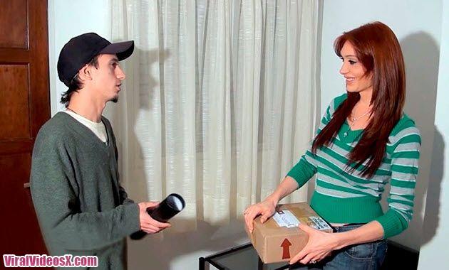 Mariana Cordoba transexual con el cartero...