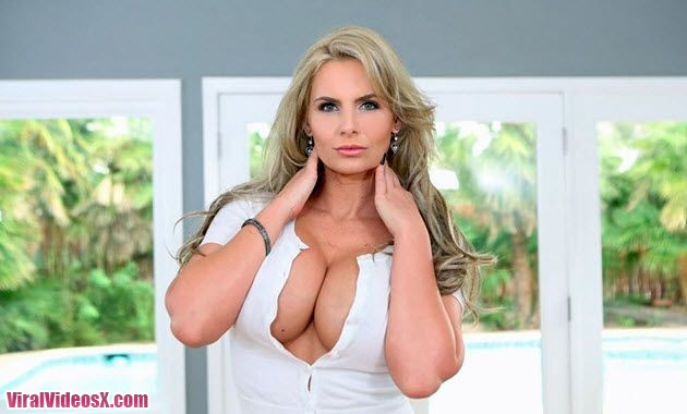 Pure Mature Phoenix Marie Real House Wife Hottie