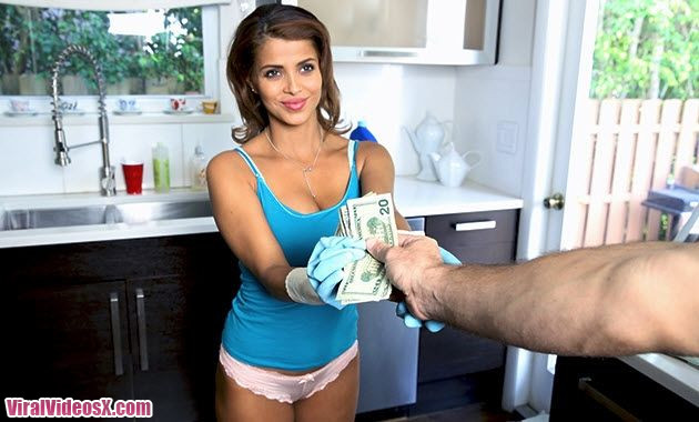 My Dirty Maid Bianca Latina Milf Cleans a...