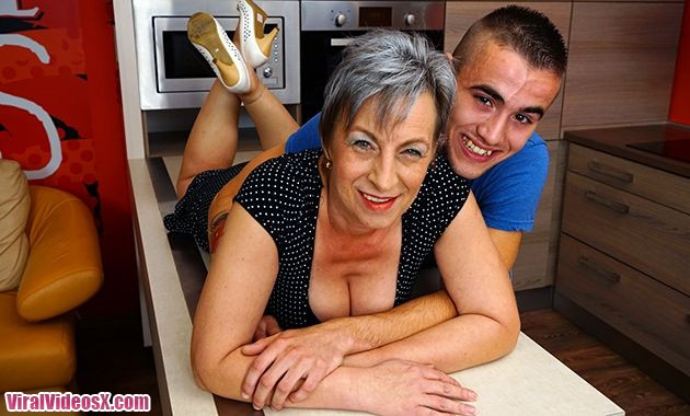 Mature NL Jovanka S. (51) Horny older lady doing her Toyboy