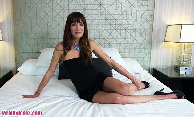 MomPov Elena, casting porno anal con una ...