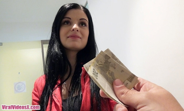 Public Pick Ups Alice Nice Czech Gal Gets Picked Up