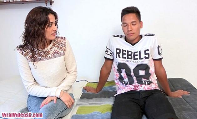 Preciosidad de 18 añitos vs joven y polludo amante latino ¡Estos follan fijo!