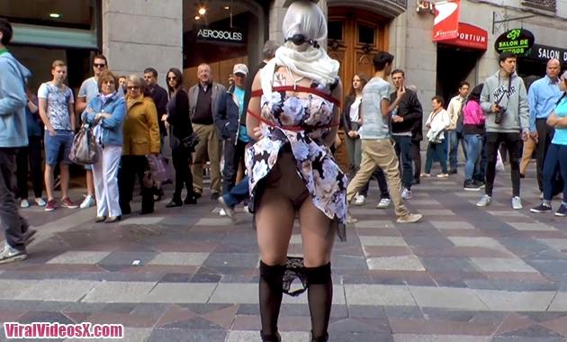 Public Disgrace Kink Brenda Boop duro sexo anal en publico con la española
