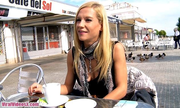 Aina Elle est sportive Aina Jacquie et Mi...