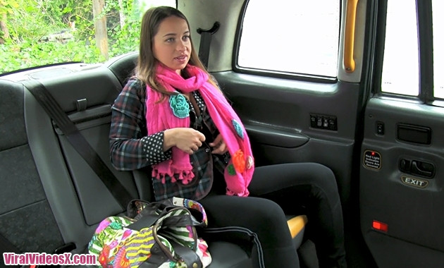 Lady sucks cock to pay for her cab Ep 278