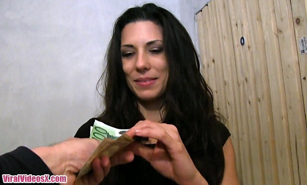 Alexa Tomas follando con un desconocido por 600 euros Ep346