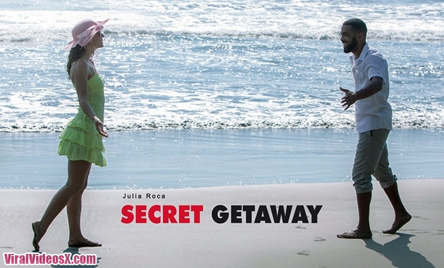 Babes Julia Roca Secret Getaway