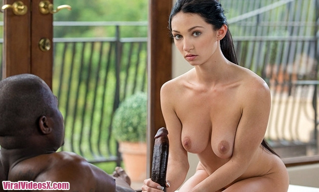 Blacked Cyrstal Rae 18 Years Old Tries Her First Interracial
