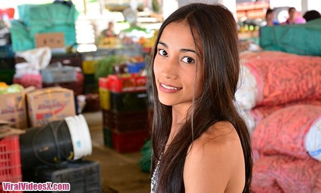 Porndoe Premium La colombiana Juanita Gom...