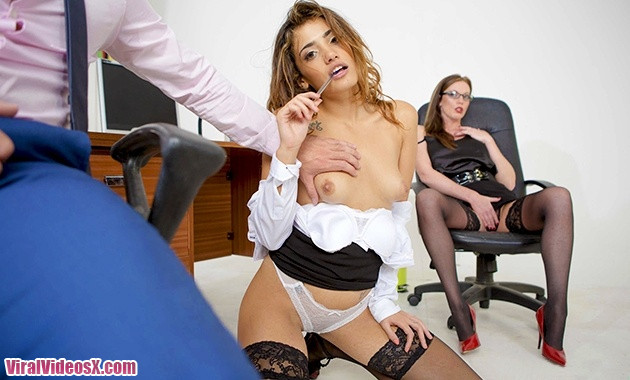 Babes Penelope Cum and Holly Kiss Office Obsession Kiss and Tell