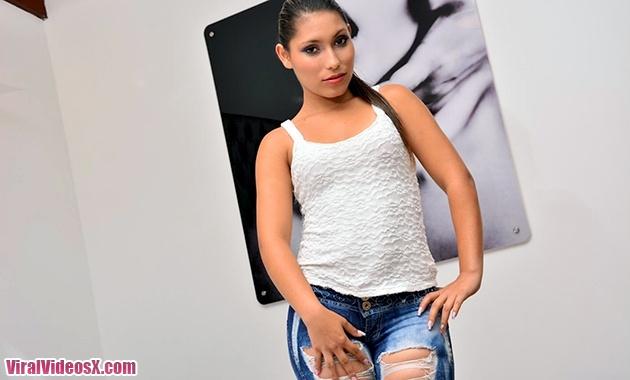 Cristine Palacio La putita Latina folland...