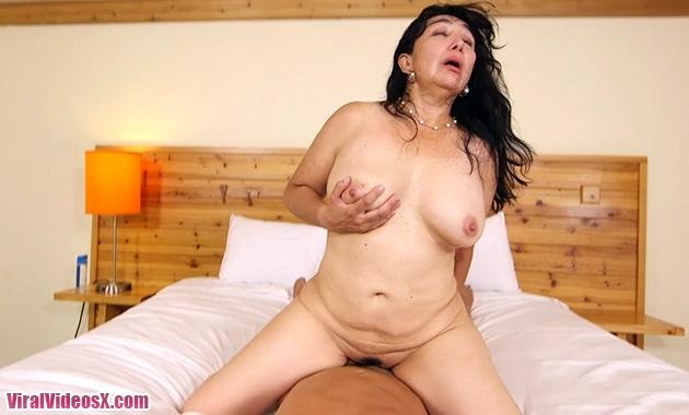 MomPov Carmela Mexico MILF loves young co...