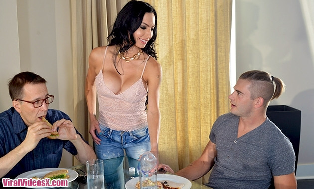 Family Strokes Portia Harlow Getting To Know My Sexy Aunt