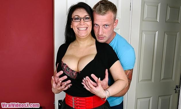 Mature NL Sabrina Jade EU (50) British big breasted housewife