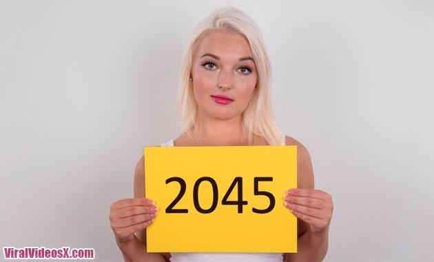 Czech Casting - Stepanka E2045