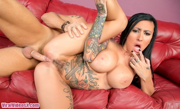 Wild On Cam Lily Lane Tattooed Hottie Lily LIVE