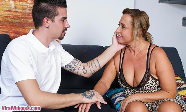 Mature NL Conchita (47) Spanish housewife Conchita fucking and sucking