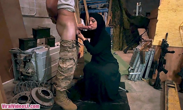 Arabs Exposed Amateur Arabian Wife Suck A