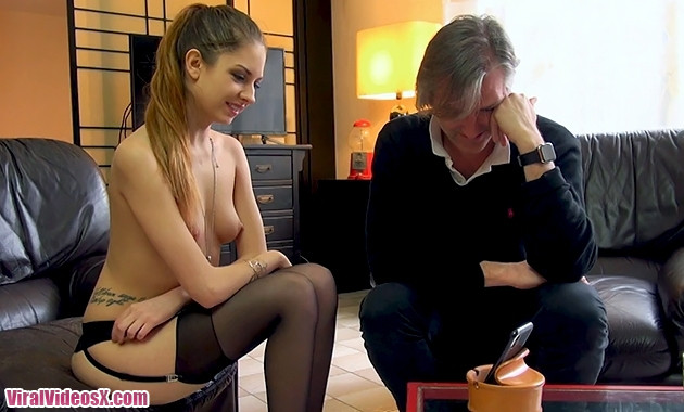 Jacquie et Michel TV Rebecca Une etudiant...
