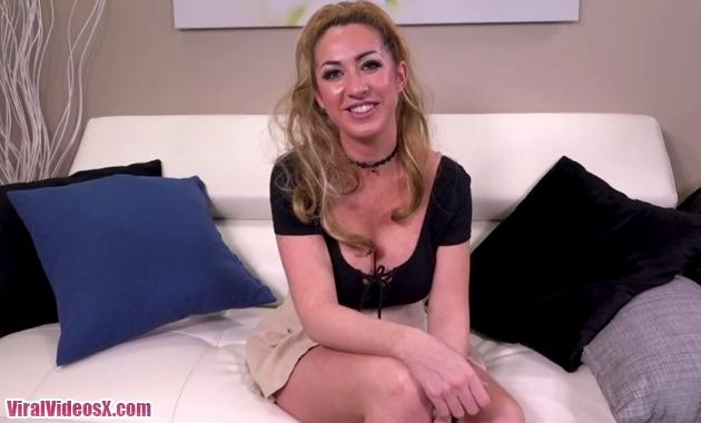 Janna Hicks Loves Having Cock Between Her...