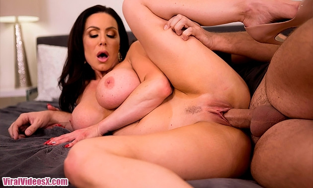 Brazzers - Kendra Lust Stalking For A Coc...