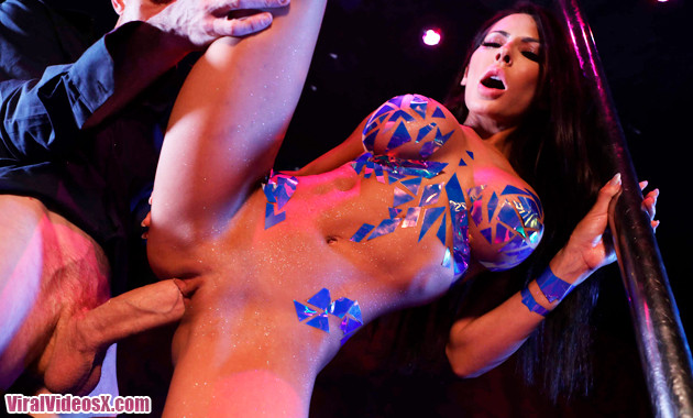 Brazzers - Madison Ivy Pixel Whip Strip -
